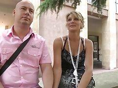 La morena le hace una mamada mexicanas calientes videos xxx profunda a su novio en casa.