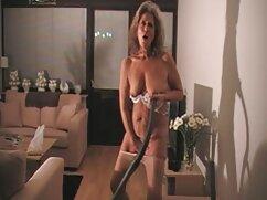 Amante de tetas tiene sexo anal con un compañero rudo mexicanas calientes maduras en el sofá