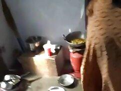 Hijastra se folla mexicanas amateur calientes a su brutal padrastro en la mesa de la cocina