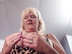 La suegra con sus amigas se acercó a su maduras mexicanas calientes yerno y le chupó la gran polla