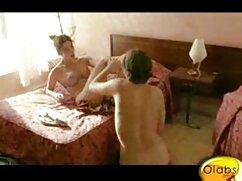 Hijastra mexicanas calientes gratis con curvas se masturbó en su habitación y fue castigada