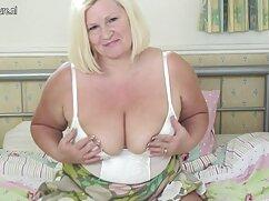 Una lesbiana adulta lame las tetas y el coño de una mujer muy mexicana caliente xnxx sexy