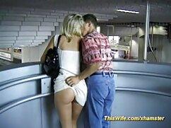 Un negro con viejas cachondas mexicanas una polla hasta las rodillas se folla el coño a una preciosa rusa