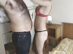 Incluso la aparición de mamá en la habitación no detuvo el sexo caliente videos mexicanos calientes de la joven pareja.