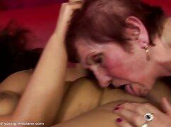 Terminé en voz alta en la mujeres mexicanas maduras calientes recepción de un masajista animado.